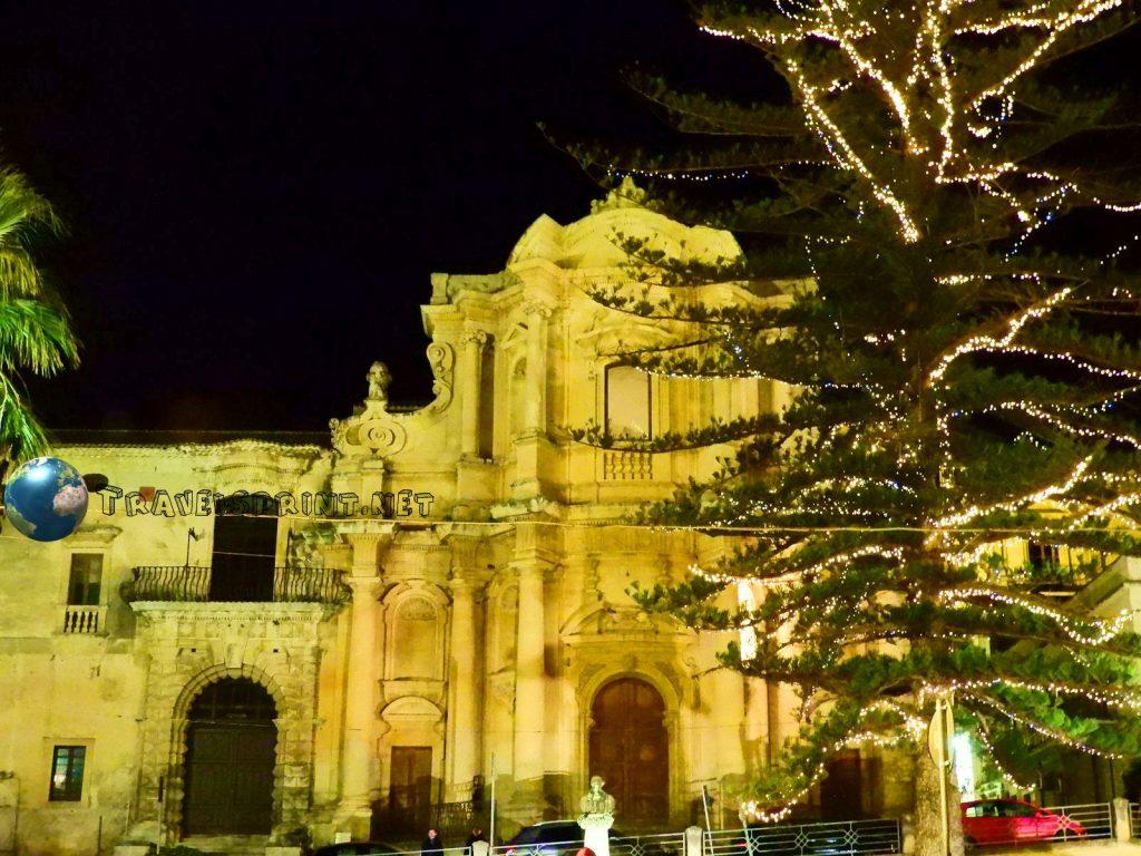 Chiesa di San Domenico, Noto, correre in Sicilia