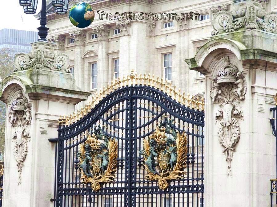 cancelli-buckingham-palace-correre-a-londra