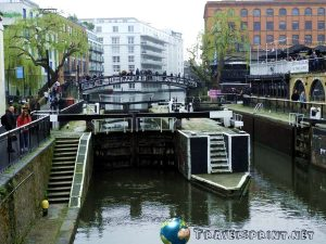 camden-town-regents-canal-correre-a-londra
