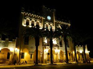 Palazzo municipale, Ciutadella, correre a Minorca