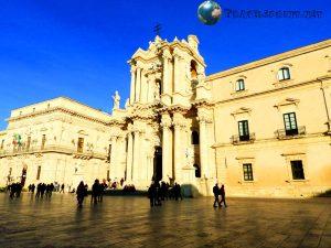 Duomo di Siracusa, correre in sicilia