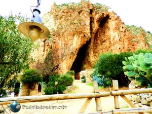 Grotta Mangiapane, Custonaci, correre in sicilia