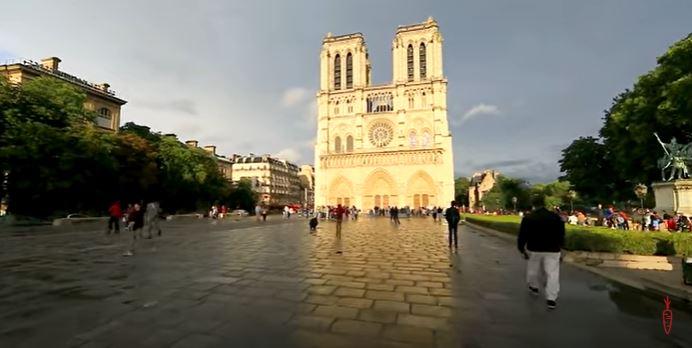 Virtual run a Parigi